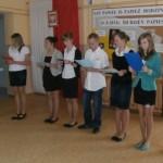 Uczniowie II gimnazjum