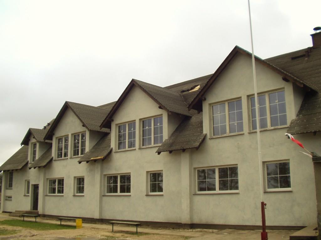 Nowy gmach szkoły po budowie.